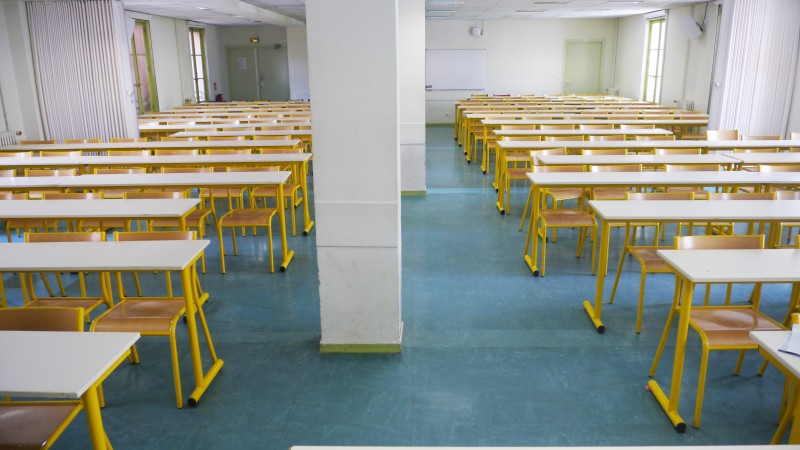 Salle 102-170 places